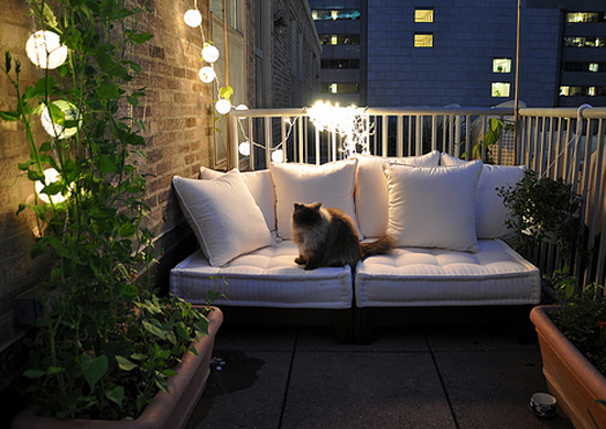 how-to-decorate-your-balcony-9.jpeg