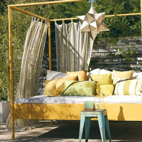 15 Best Ideas for Garden Decor with Fabric