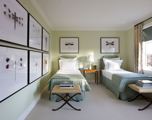 Decorating The Comfortable Bedroom For Guest