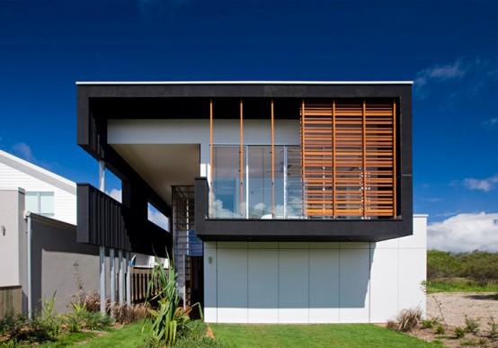 Stunning Sheoak Black Beach House by Base Architecture