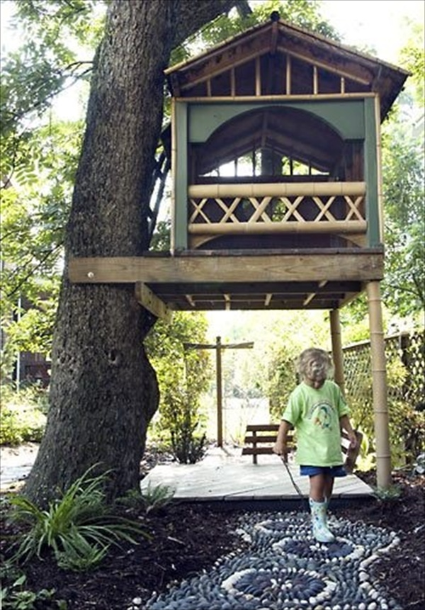 33 simple and modern kids tree house designs freshnist for Small tree house