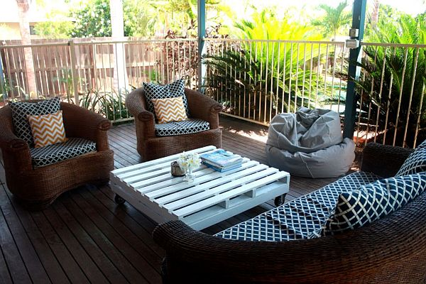 white-pallet-coffee-table-ideas
