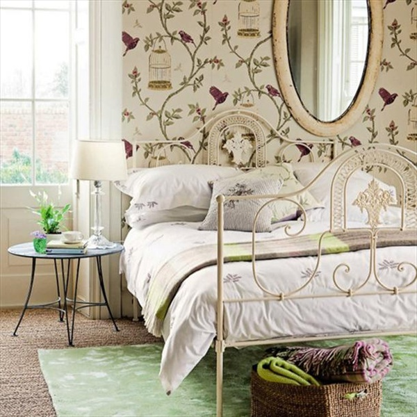 Blending modern vintage bedroom into classy freshnist for Antique bedroom ideas