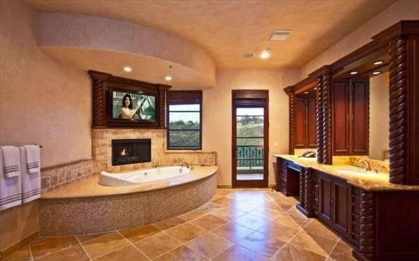 modern luxury bathroom idea