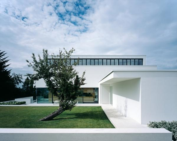 Modern house p by philipp architekten germany freshnist - Philipp architekten ...