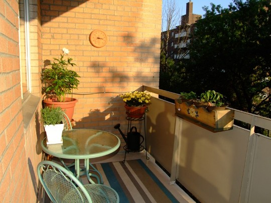 how to decorate your balcony freshnist
