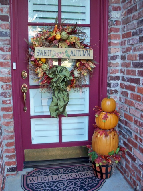 10 Incredible Designs Fall Porch Decorating Freshnist: beautiful fall front porches