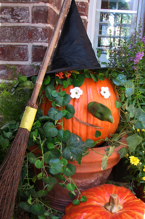 10 incredible designs fall porch decorating freshnist Fall outdoor decorating with pumpkins