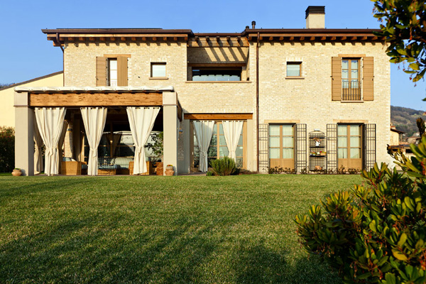 Beautiful French House In Italy Freshnist