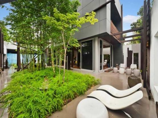 Beautiful Masculine Beach House Design