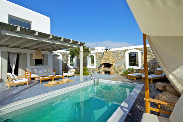 White and modern house design in mykonos island greece for Beautiful house with swimming pool