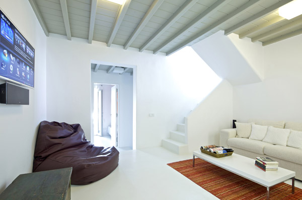 Modern house interior stairs freshnist for Greek interior design history