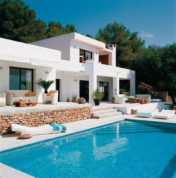 White and modern house design in mykonos island greece for Pool design villa