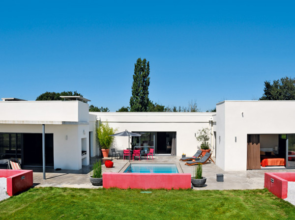 The red bright color modern house design in france freshnist - Masion design in france ...