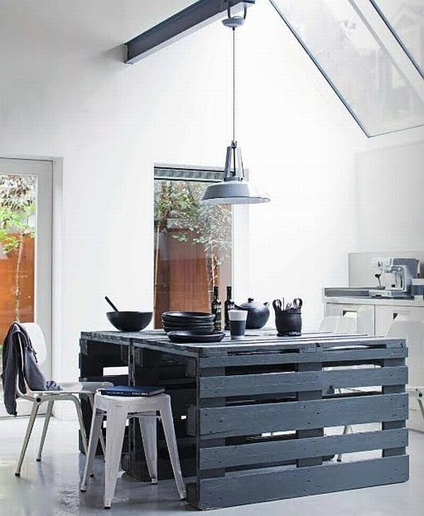 black-palle-diningt-table