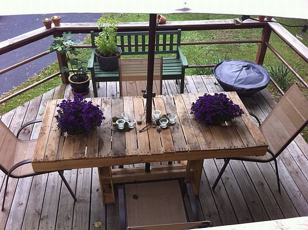 wood-pallet-patio-table-design
