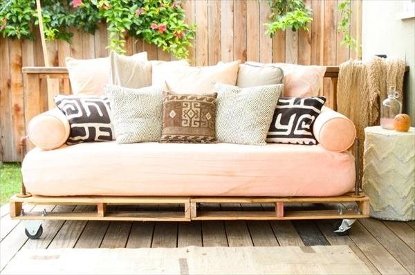 pallet-daybed (1)