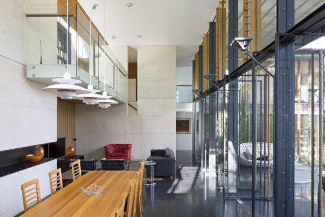 Glass Cottage Taringa House