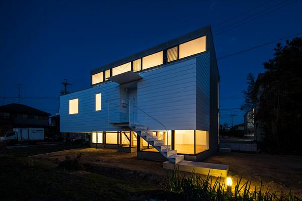 The Spacious Kawate Residence by Keitaro Muto Architects